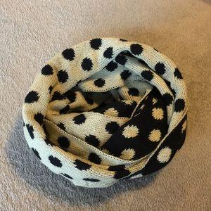 Polka-dot Infinity scarf